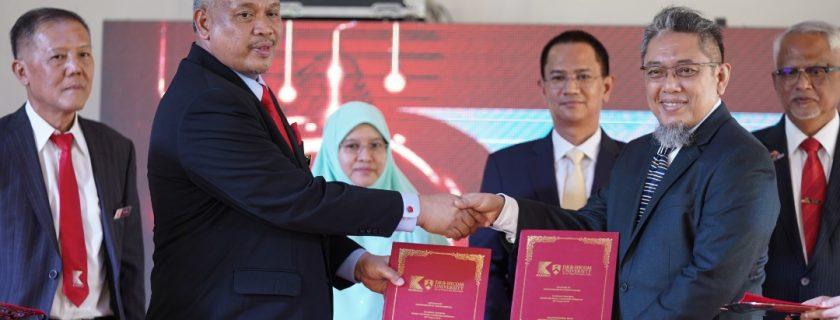 Majlis Penukaran Memorandum Persefahaman antara DRB-HICOM University of Automotive Malaysia dan Kedah Industrial Skills And Management Development Centre (KISMEC)